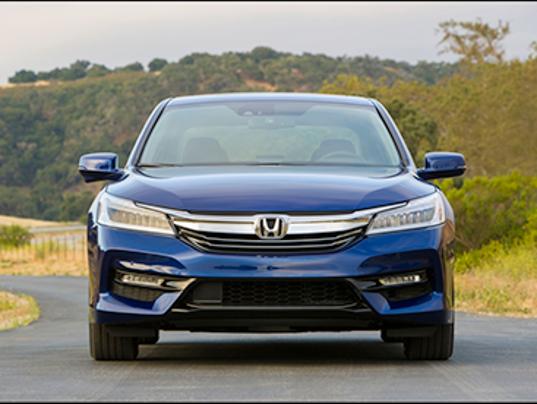 636154401557941350 2017 Honda Acura Hybrid Png