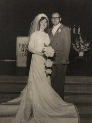 Dick and Jan Hench, Rakowitz parents. Married June