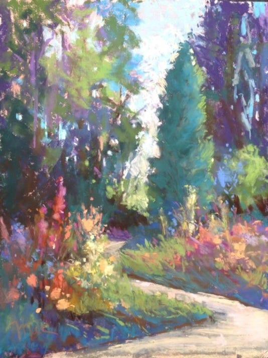 -dcn 1126 mac schueppert july in the garden.jpg_20141121.jpg