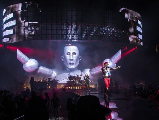 Review: Queen + Adam Lambert infuse bombast into classics