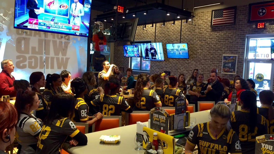 Buffalo Wild Wing lovers camp out for free food
