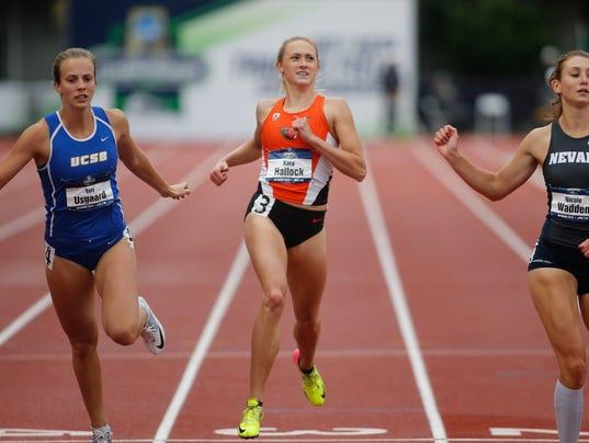 Tori Usgaard, Kara Hallock, Nicole Wadden
