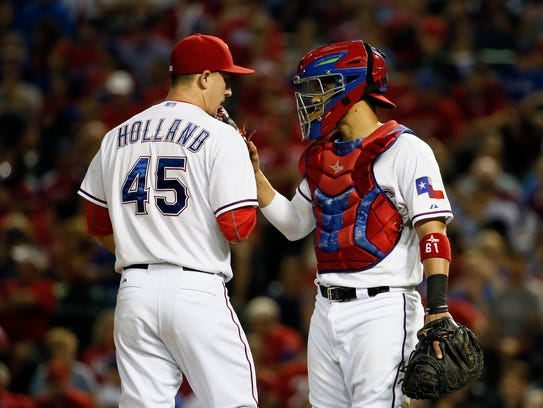 Derek Holland, pitcher de los Rangers
