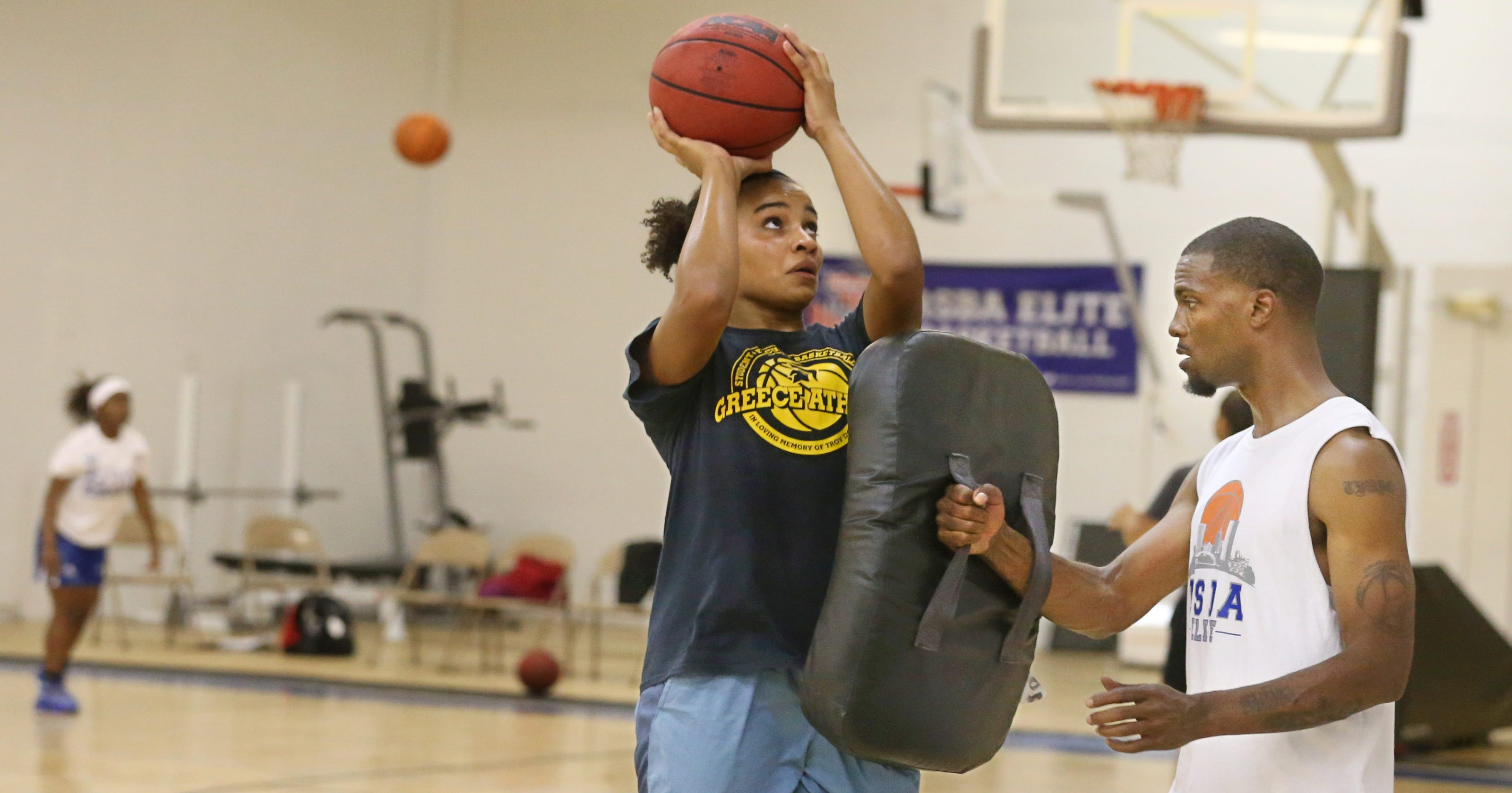 AAU Basketball Provides Opportunities Obstacles For Players Families