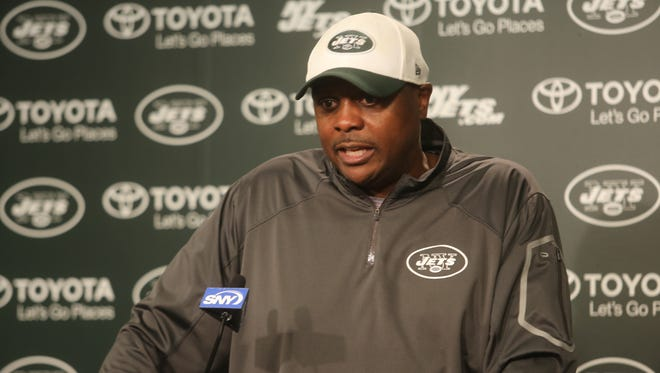 Jets defensive coordinator Kacy Rodgers addresses the media in 2016.