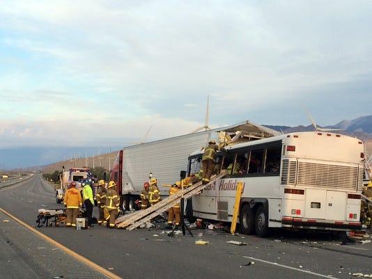 USP NEWS: PALM SPRING BUS CRASH A ENG USA CA