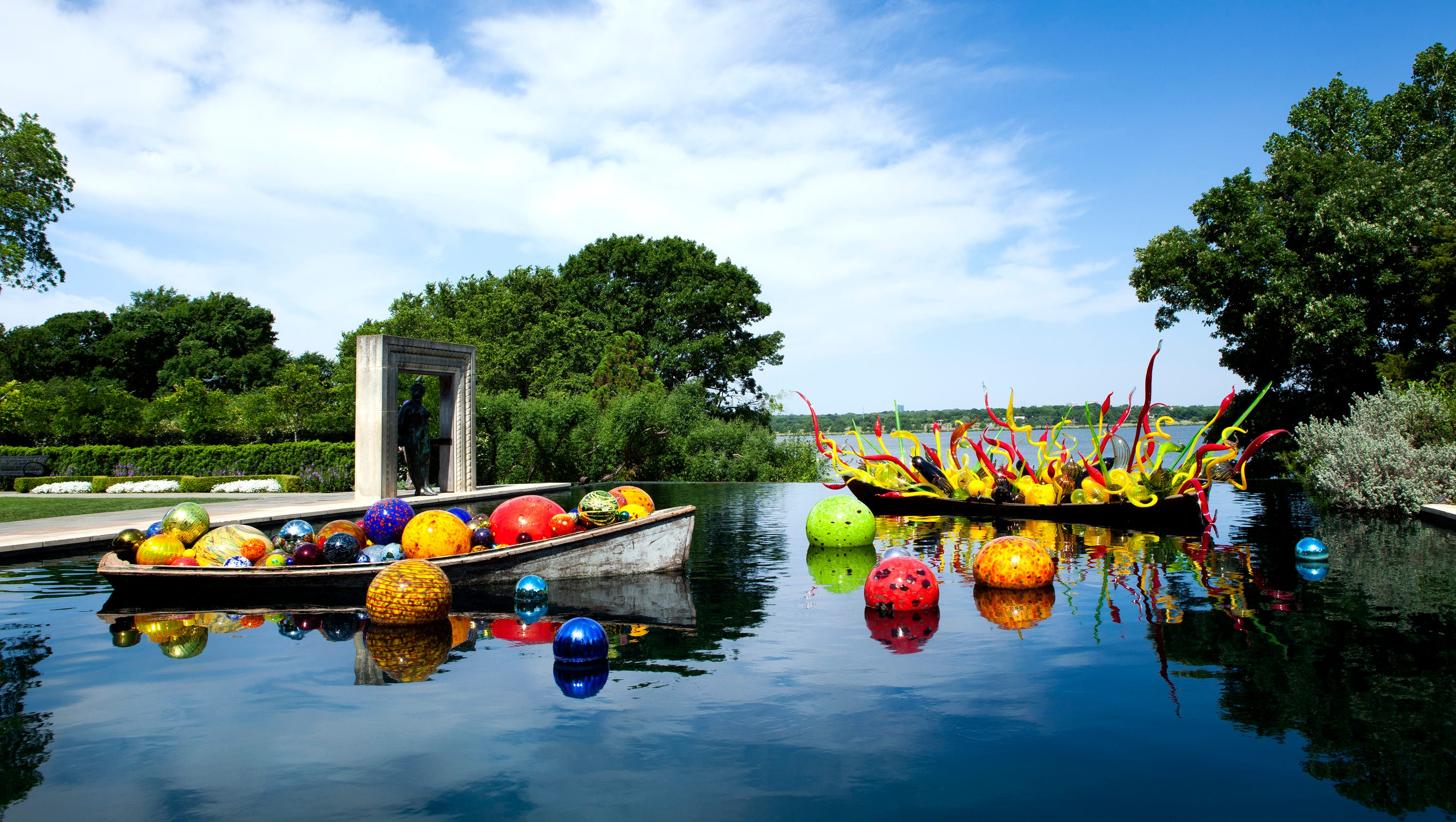 biltmore estate opens dale chihuly exhibit in may