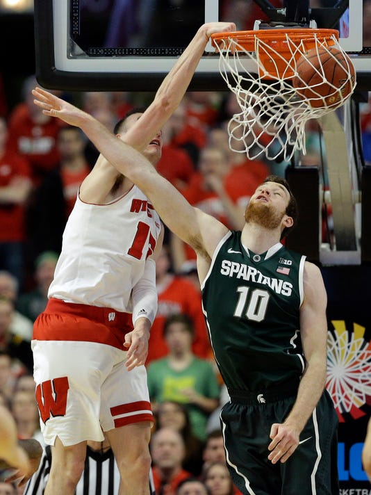 Matt Costello, Sam Dekker