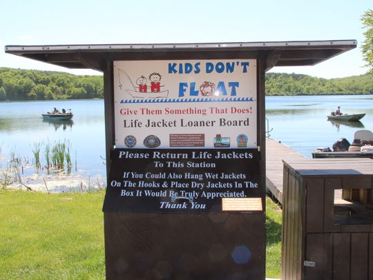 A loaner life vest kiosk is located at the public boat