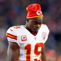 Agholor's play giving Eagles reasons not to sign Maclin