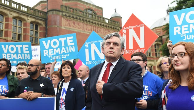 Former British prime minister, Gordon Brown (C) delivers a speech urging Britons to vote remain in the European Union, outside Birmigham University in Birmingham, Britain, on June 22, 2016.(EPA/FACUNDO ARRIZABALAGA)