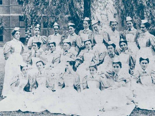 UC Nurses 1898.jpg