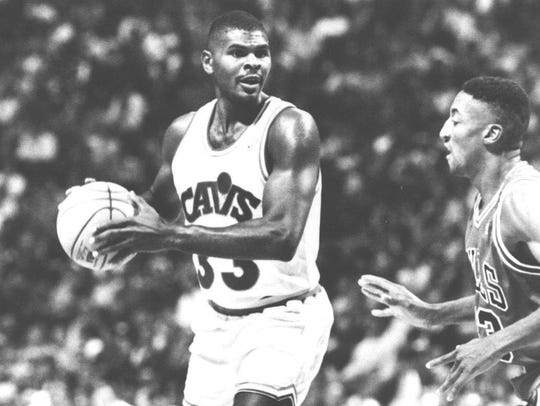 Mike Sanders, here as a Cleveland Cavalier playing