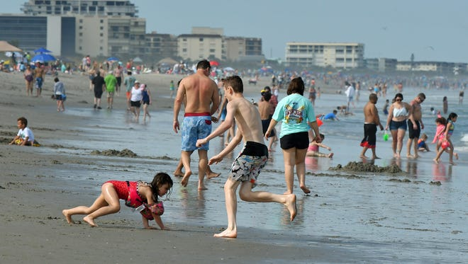 A new law restricts local governments' ability to pass ordinances granting public access to private beaches.