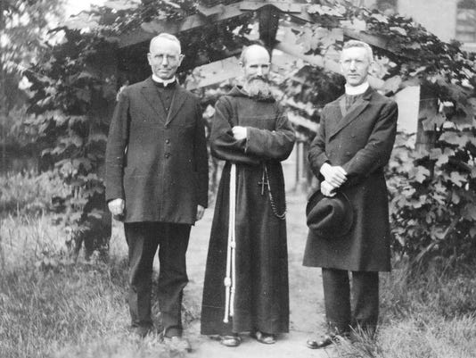 636459181245056553-1924-Solanus-with-brothers.jpg