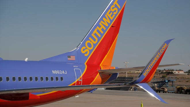 Southwest Airlines takes delivery of its first 737-800 with split scimitar winglets.