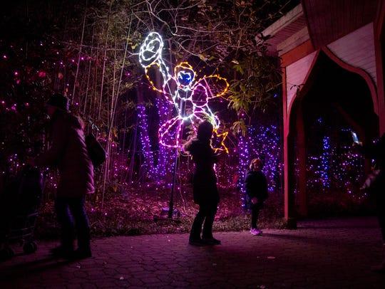 Cincinnati Zoo S Festival Of Lights Opens Nov 17 For The 36th Season