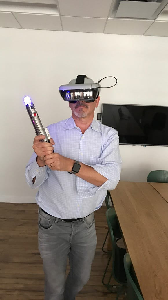 Ed Baig tries tries out an early prototype of Star