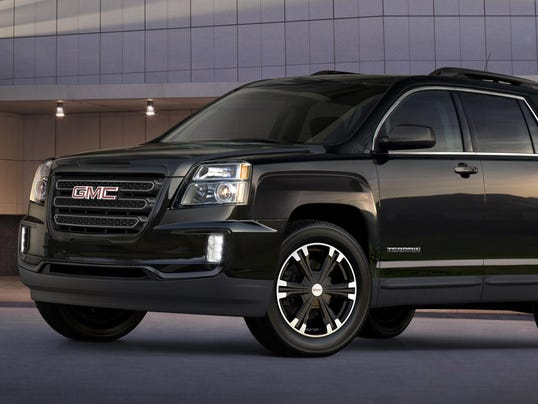 2017-GMC-Terrain-Nightfall-001