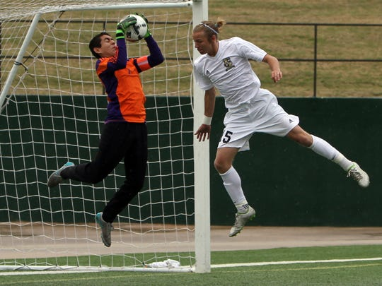 Eastlake's Kevin Gomez makes a save in the Region I-5A
