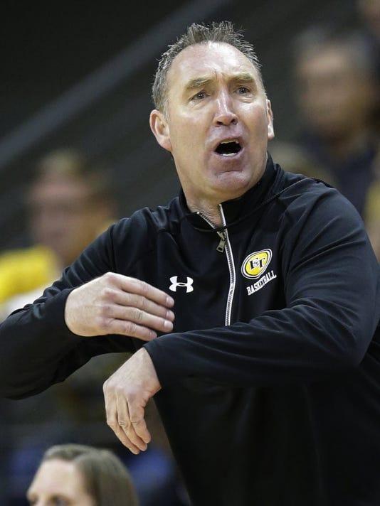 East Troy coach Darryl-Rayfield.JPG