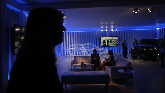Low lights, good music and comfortable surroundings were a hit during the Modernism Week kick-off party Thursday.