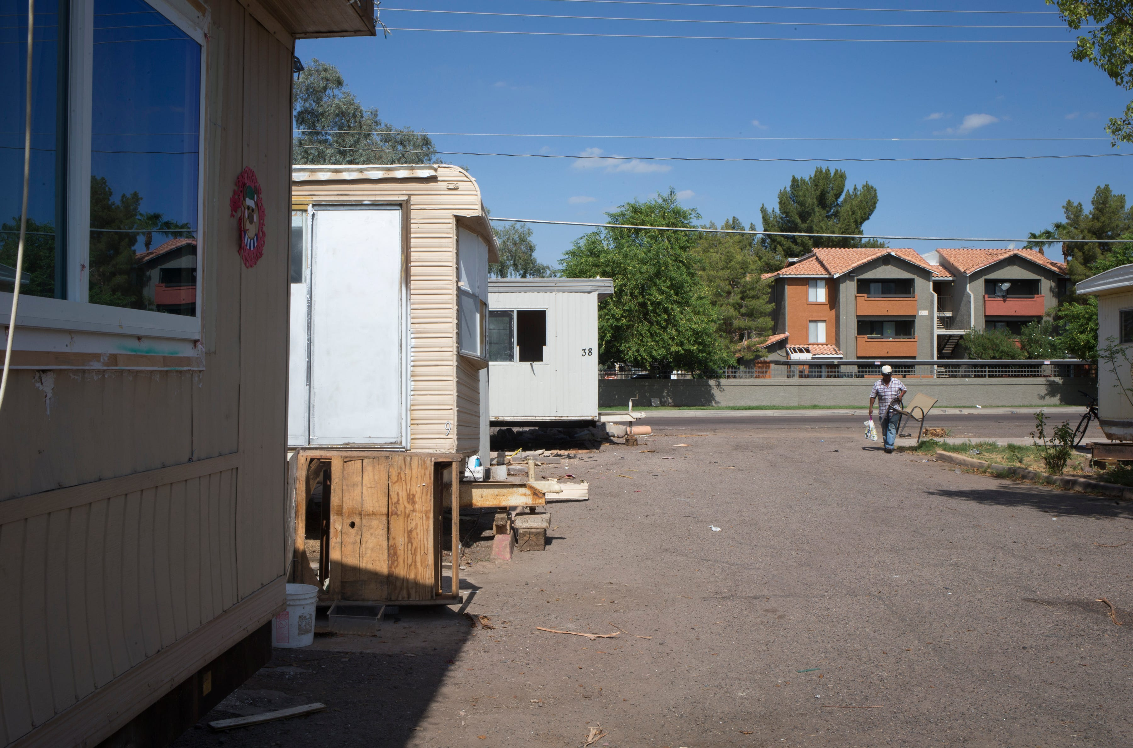as land values rise in phoenix area mobile home parks disappear rh azcentral com Manufactured Homes in Phoenix Manufactured Homes Phoenix Arizona