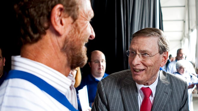Bud Selig laughs with Hall of Famer Robin Yount before the celebration to unveil Selig's statue at Miller Park.
