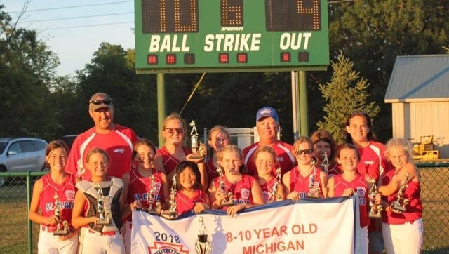 The St. Clair 10-and-under softball team started play in the state tournament Friday.