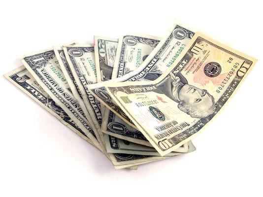 635531133926412193-dollars-cash