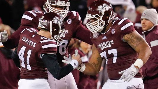 Mississippi State kicker Evan Sobiesk will leave the football team to focus on dentistry.