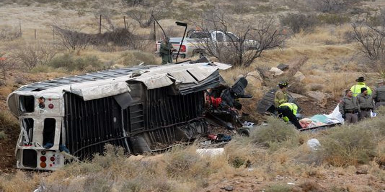 10 dead, 5 injured in West Texas prison bus crash