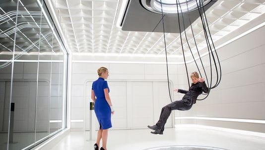 "Kate Winslet, left, plays Jeanine and Shailene Woodley plays Tris in a scene from ""Insurgent."""