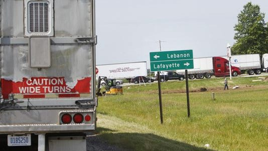Traffic that had been northbound on I-65 follows a detour from Indiana 28 to U.S. 52 near Clarks Hill. The detour continued north on U.S. 52 briefly to Indiana 28 once again, where motorists traveled west to connect with U.S. 231 north to I-65.