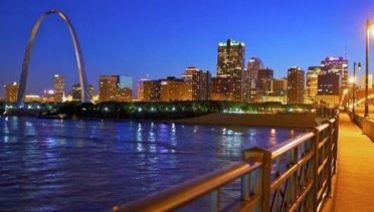 Judge strikes down St. Louis minimum wage law