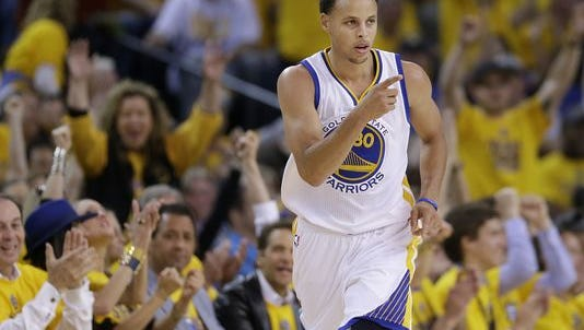 Stephen Curry and the Golden State Warriors face the Pacers at Bankers Life Fieldhouse on Tuesday.
