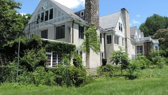 The group to save the Doris Duke mansion say they have new evidence.