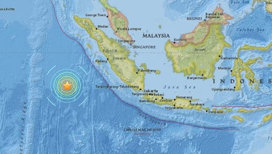 A major 7.9 magnitude earthquake has struck off the southwest coast of Indonesia, the U.S. Geological Survey reports.