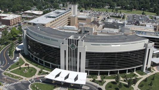 A jury in Greene County has ordered Mercy Springfield has ruled in favor a former doctor in her wrongful termination lawsuit.