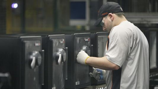 A SentrySafe plant in Pittsford is closing as its parent company moves roughly 350 jobs to Mexico and Wisconsin.