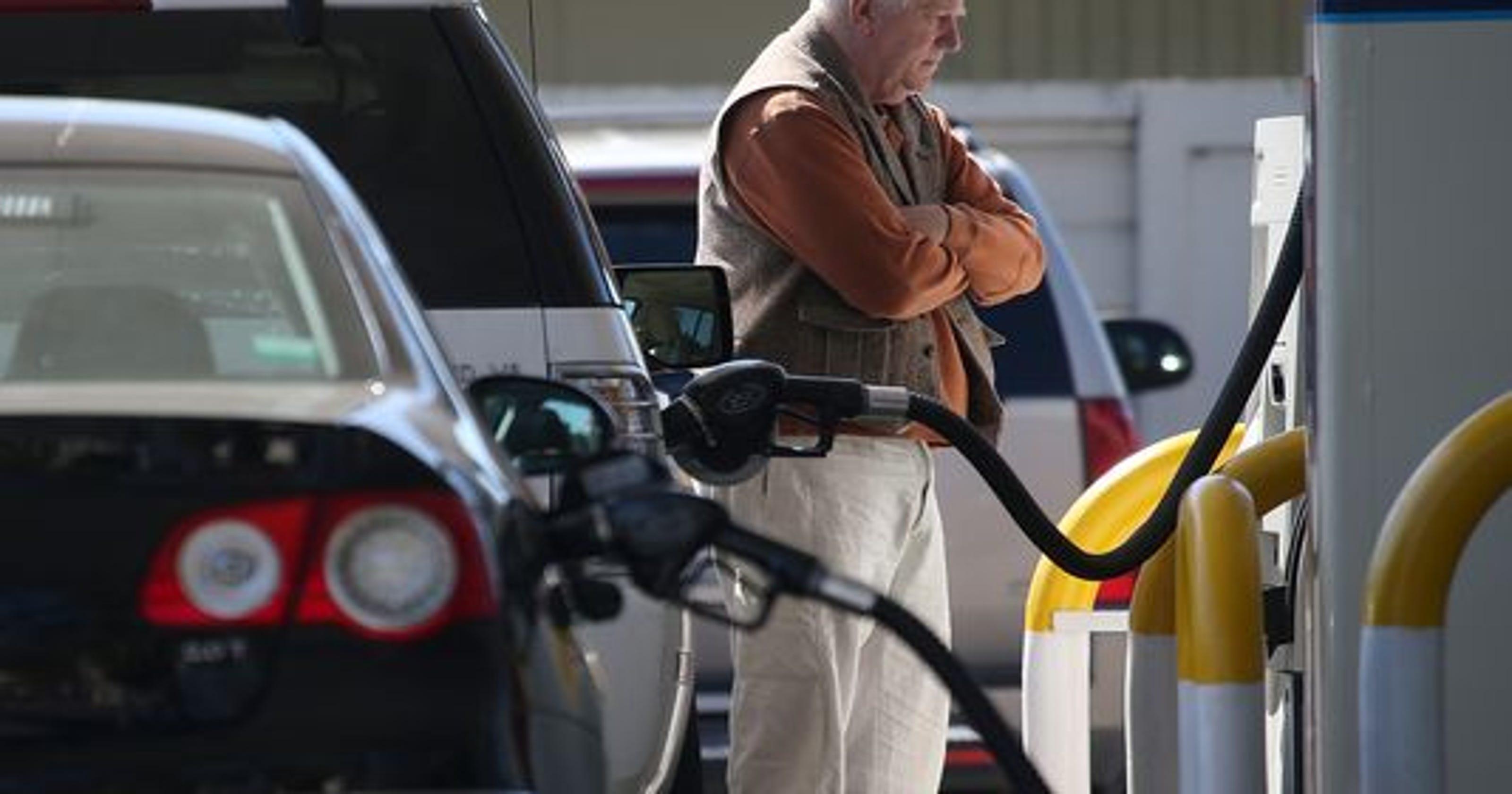Tom Elias: Gas-gouging signs continue despite price dip