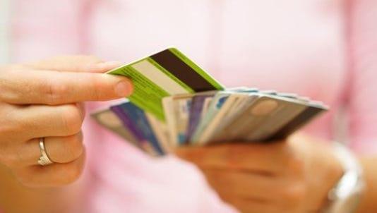 Average credit card debt on rise in U.S.