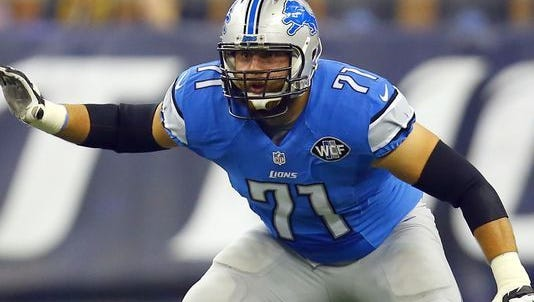 Parkston native Riley Reiff has signed a free agent deal with the Minnesota Vikings.