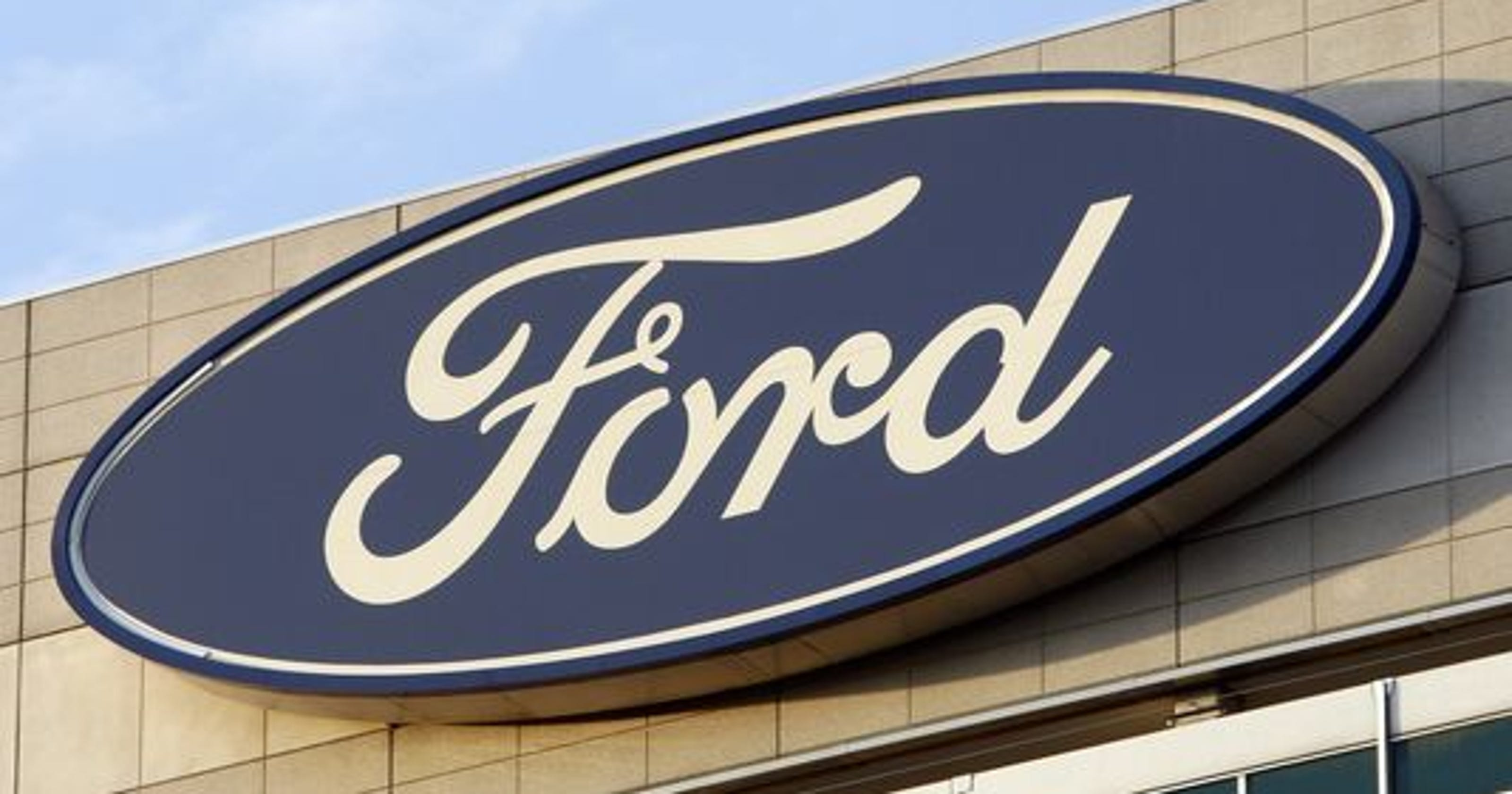 Ford Motor Issues Recall Of Fusions Lincoln Mkzs For Faulty Steering Wheels