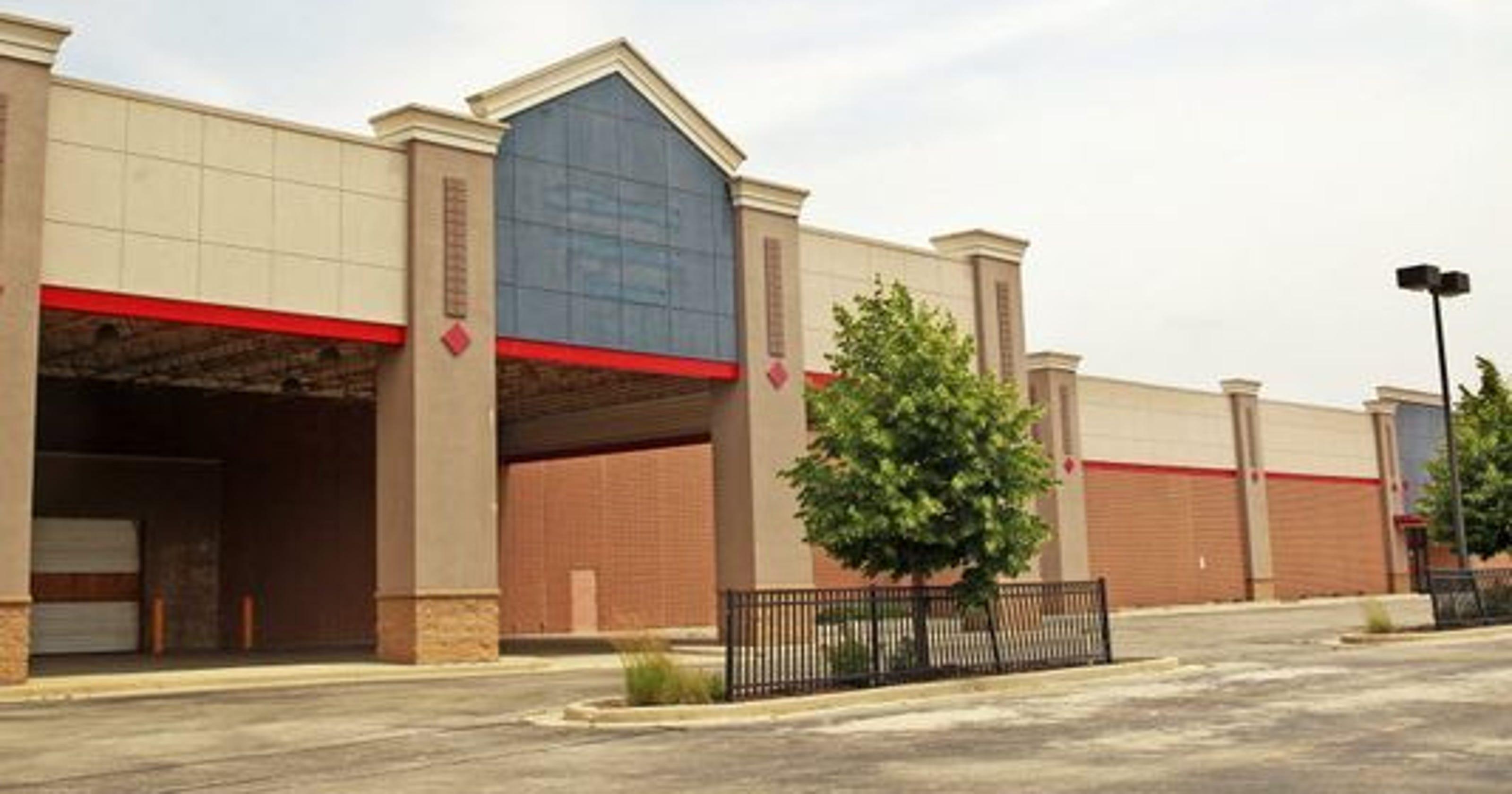 Glendale will hold referendum on closing \'dark store loophole\'