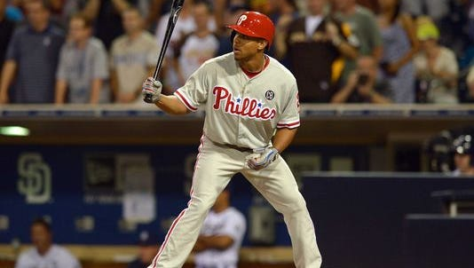 The Phillies tendered a contract to Ben Revere for 2015.