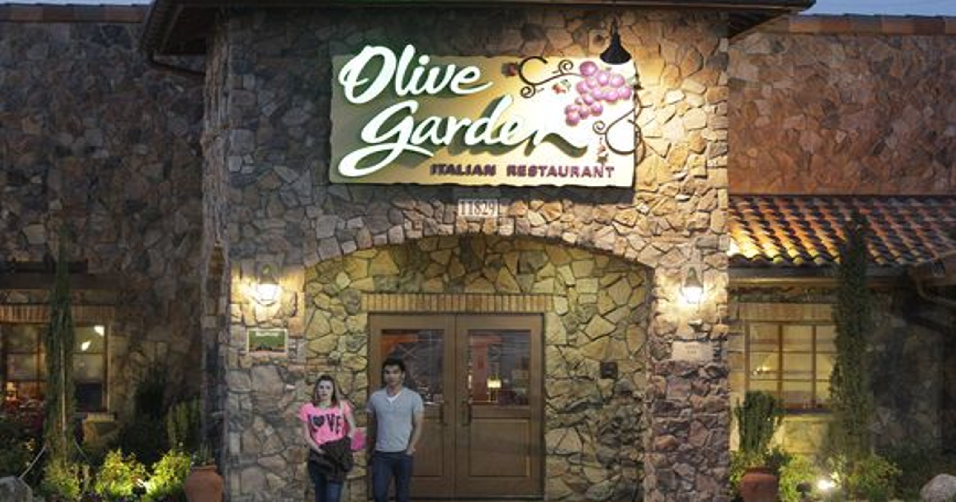 Olive Garden is fixable, experts say