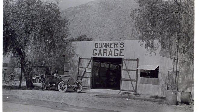 12-310 Bunker's Garage circa 1915.