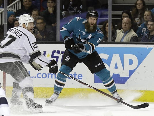 Alec Martinez,Joe Thornton