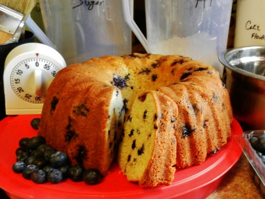blueberry-pound-cake--Barbara-Deck.jpg